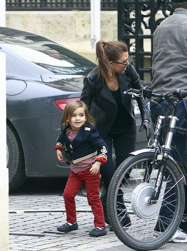Kourtney Kardashian à Paris avec son fils Mason le 13 novembre 2012