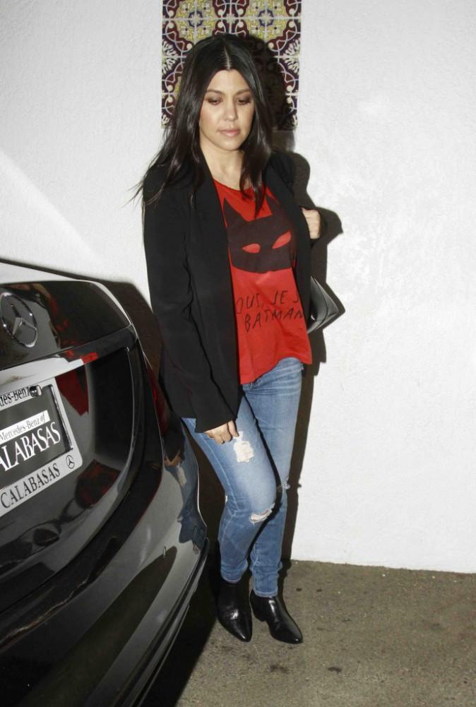 Kourtney Kardashian : elle se prend pour Batman !