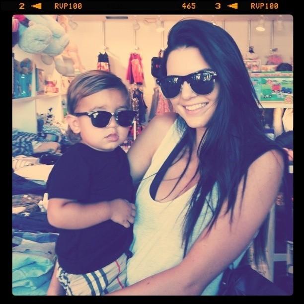 Kendall a mis les mêmes lunettes que Mason...ou l'inverse !