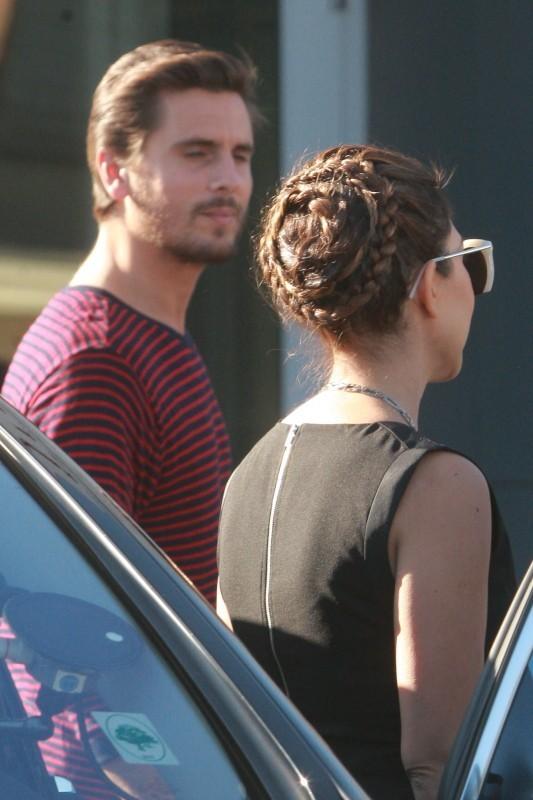 Kourtney Kardashian et Scott Disick en tournage à Calabasas, le 26 février 2013.