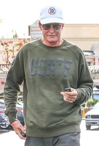 Bruce Jenner en famille à Calabasas le 29 novembre 2013
