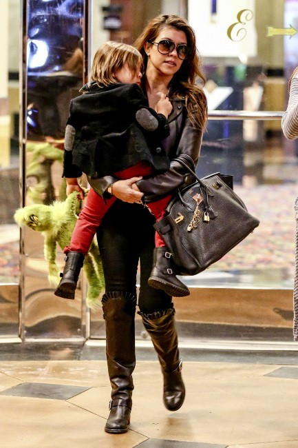 Kourtney Kardashian et Mason le 28 décembre 2012 à Los Angeles