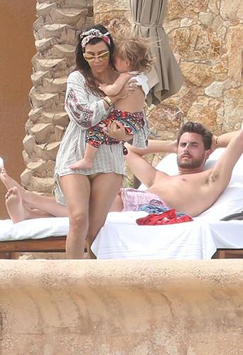 Kourtney Kardashian, Scott Disick et Penelope à Los Cabos le 19 avril 2014