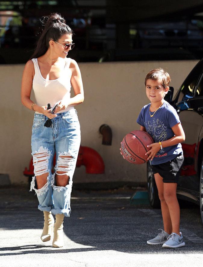 Photos : Kourtney Kardashian : maman fashion pour une journée stylée avec son fils Mason