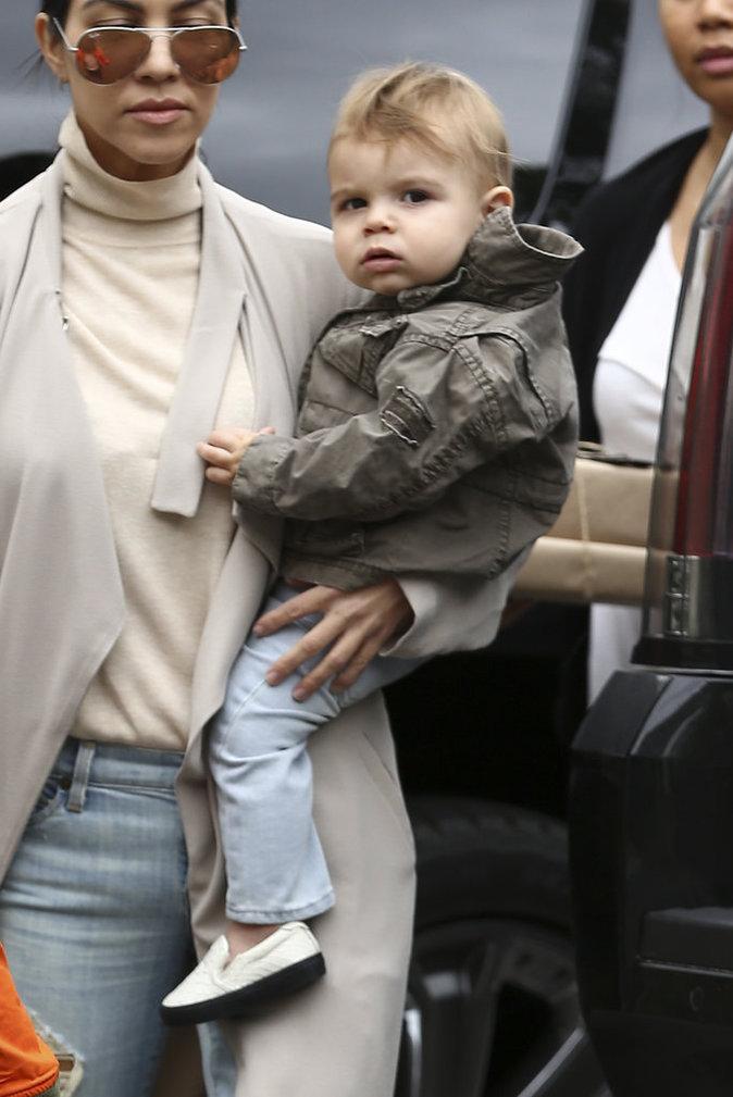 "Photos : Kourtney Kardashian ""pas prête à rencontrer quelqu'un"" !"