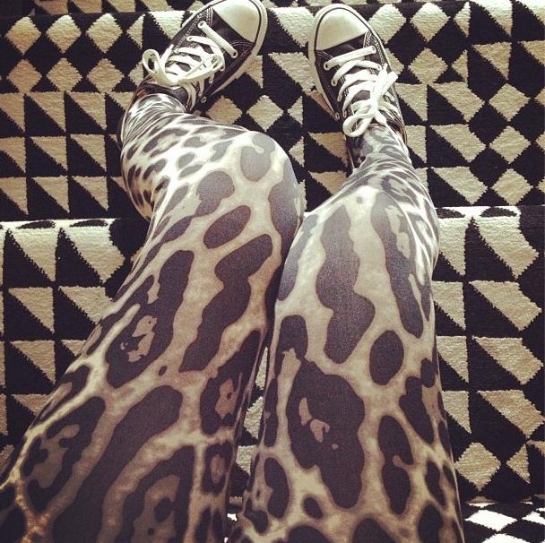 Le fameux leggings léopard de la Kardashian Kollection