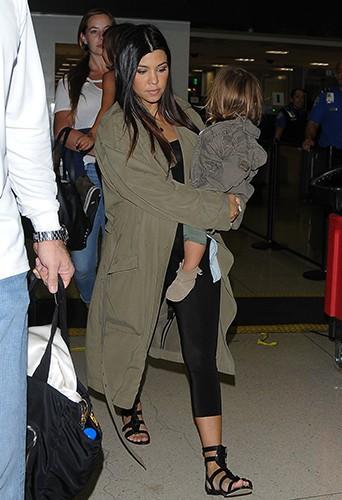 Kourtney Kardashian à l'aéroport de Los Angeles le 16 août 2014