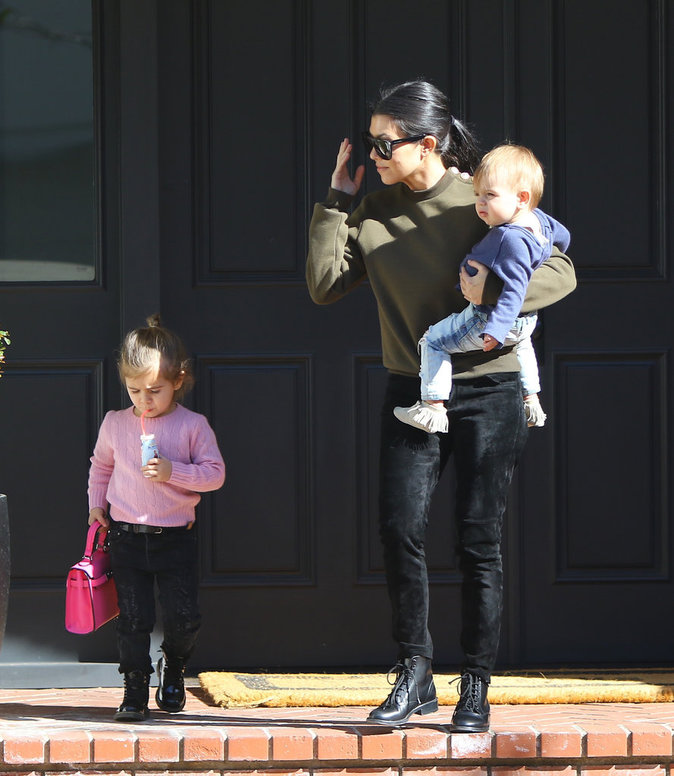 Photos : Kourtney Kardashian : son étrange arrangement avec... Chris Brown !