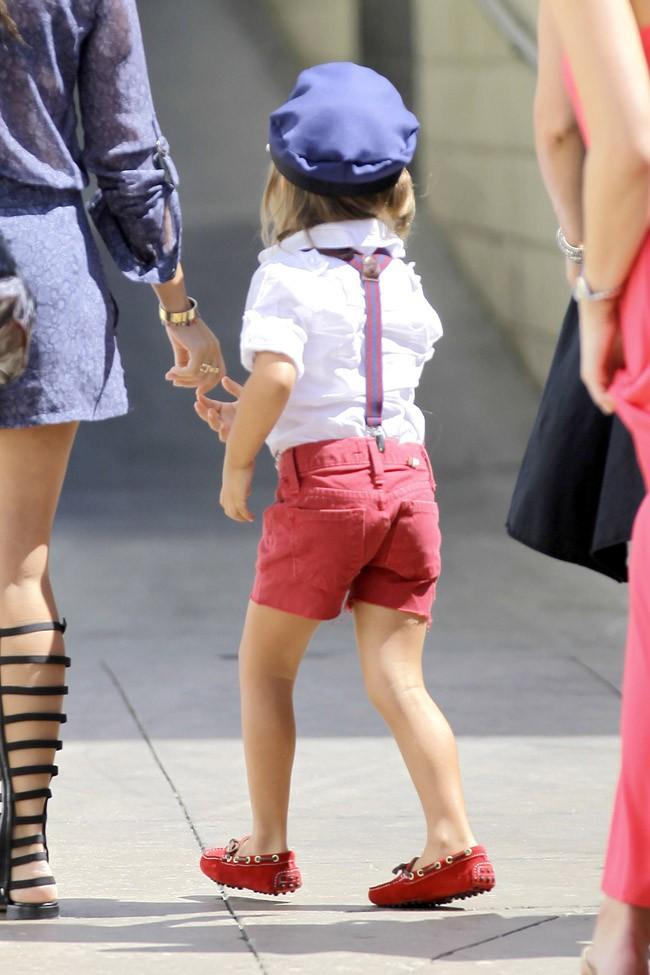 Kourtney Kardashian avec Mason à Los Angeles le 15 septembre 2013