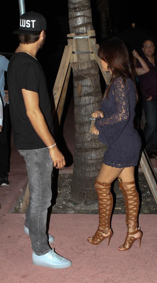 Photos : Kourtney Kardashian: sortie en amoureux avec son boyfriend Scott Disick bien loin de leurs petites têtes blondes !