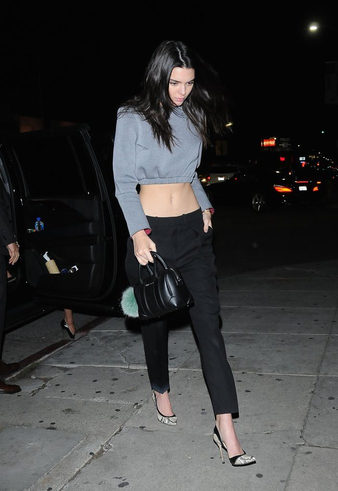 Photos : Kourtney Kardashian transparente au côté de Kendall Jenner !