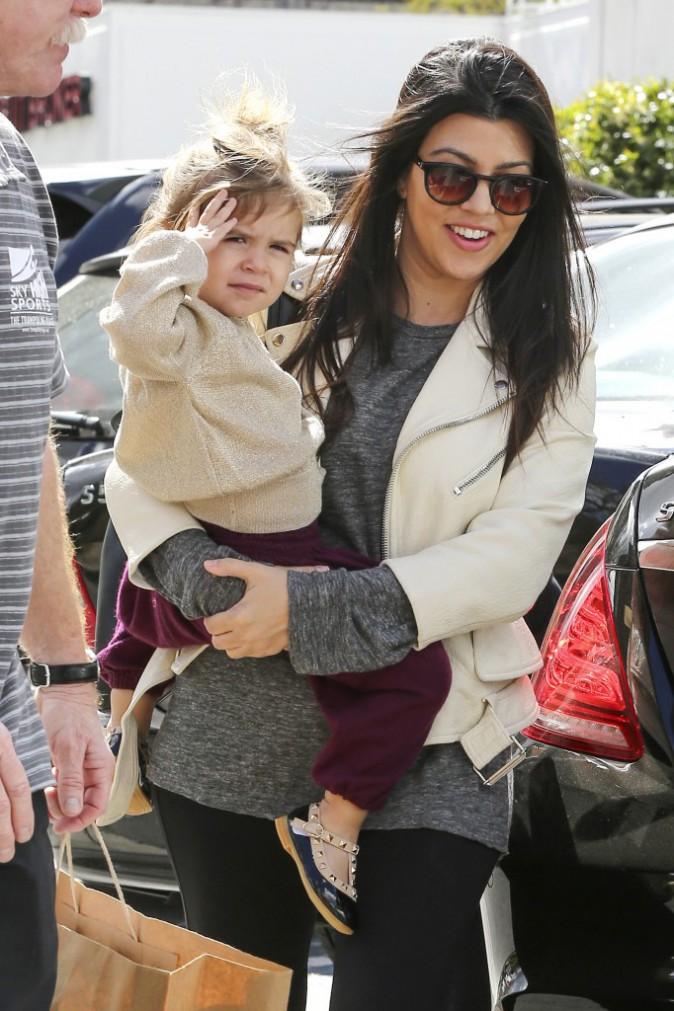 Photos : Kourtney Kardashian : un message d'amour pour Rob, une maman radieuse !