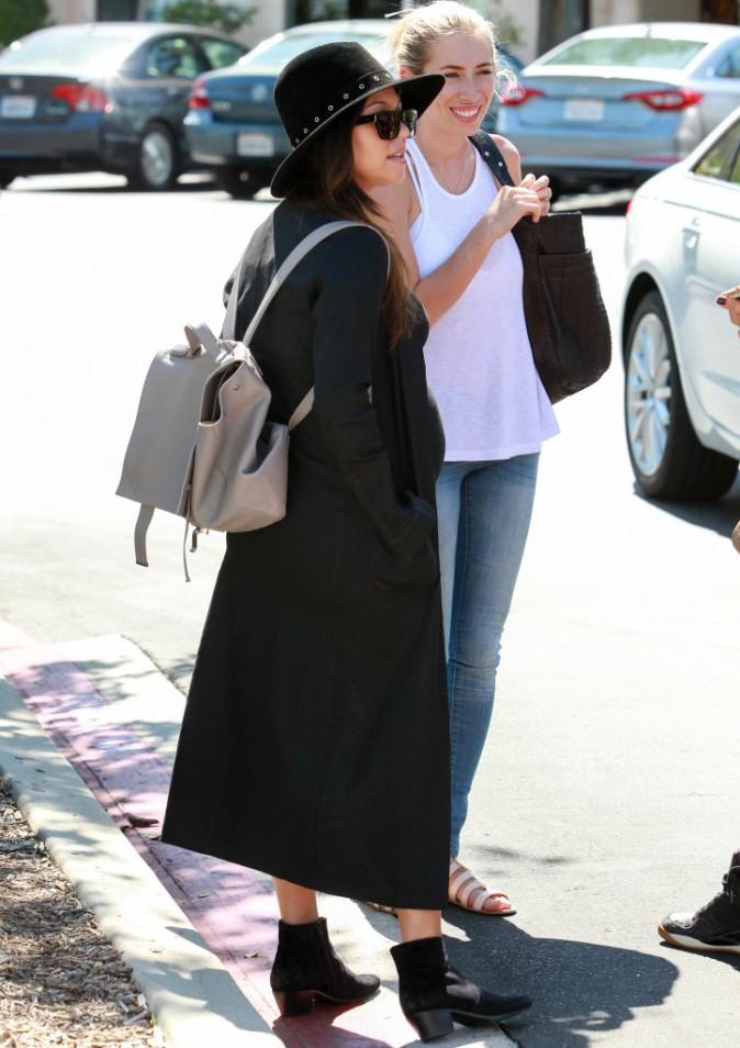 Photos : Kourtney Kardashian : une femme enceinte sexy et stylée !