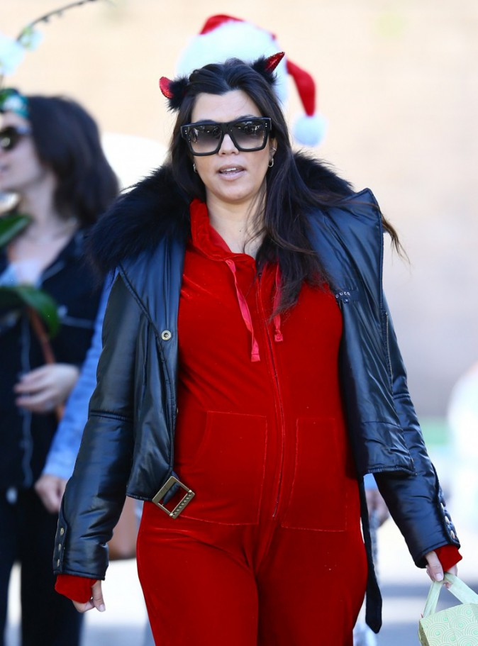 Photos : Kourtney Kardashian : une seconde baby shower en pyjama !