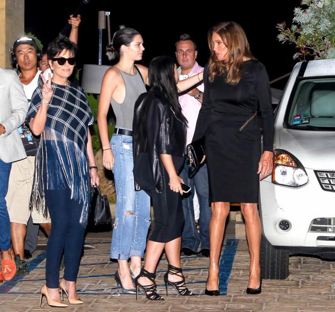 Photos : Kylie Jenner à l'hôpital pour ses 18 ans, Kris et Caitlyn réunies !