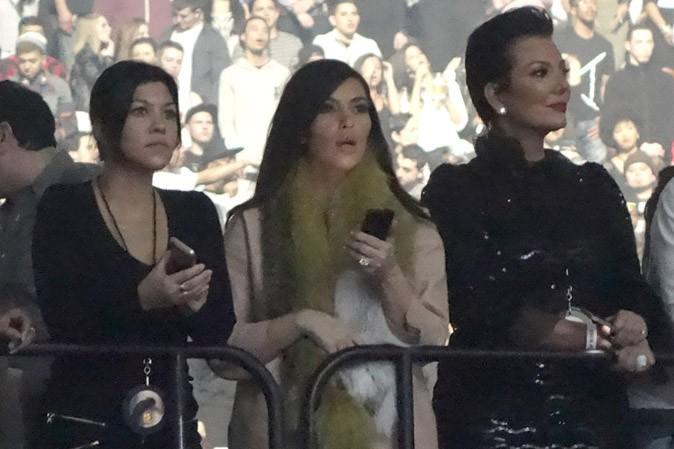 Kris Jenner, Kim et Kourtney Kardashian : en mode groupies pour la dernière date américaine du Yeezus Tour de Kanye West !