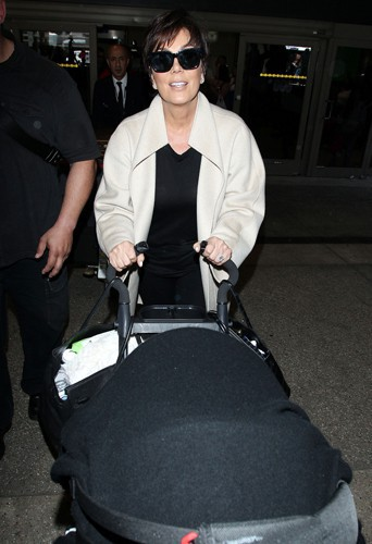 Kris Jenner à l'aéroport de Los Angeles le 26 mai 2014