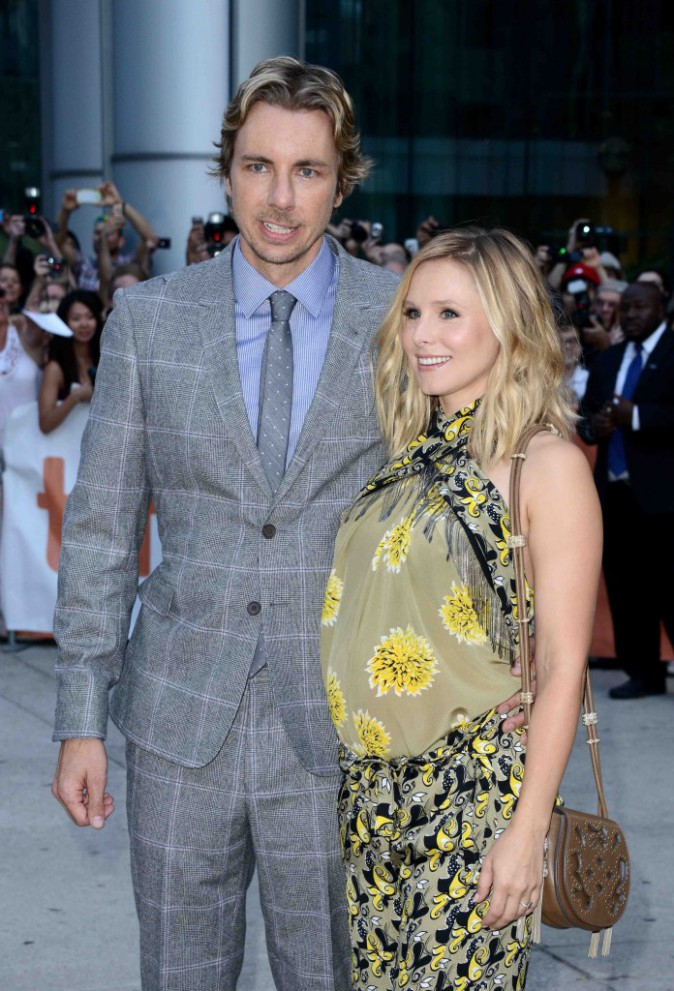 photos kristen bell enceinte elle soutient quand m me son mari au festival du film de toronto. Black Bedroom Furniture Sets. Home Design Ideas