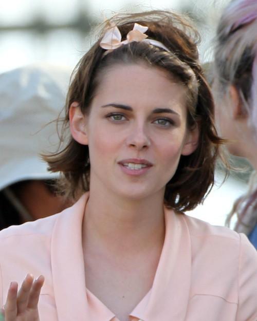 Photos : Kristen Stewart amoureuse pour Woody Allen, Coco Chanel pour Lagerfeld !