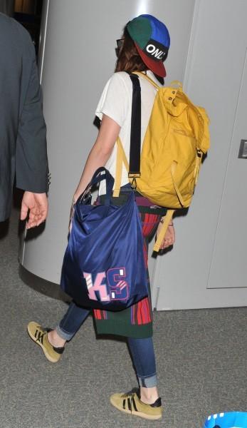 Kristen Stewart à l'aéroport de Tokyo, le 25 octobre 2012.