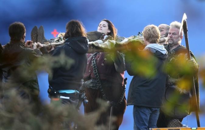 Kristen Stewart sur le tournage de Blanche-Neige le 21 novembre ...