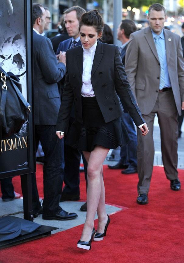 Kristen Stewart arrive sur le red carpet de Blanche-Neige et le Chasseur !