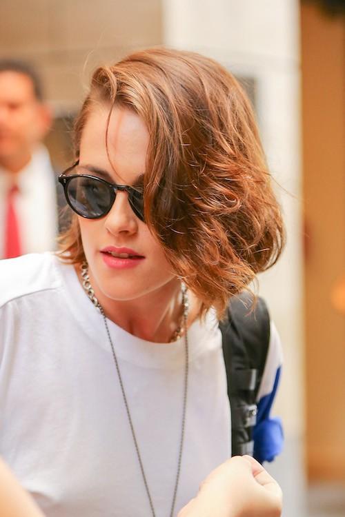 Photos : Kristen Stewart, entre look girly et grunge, elle hésite !