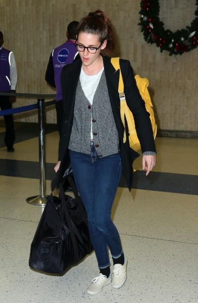 Kristen Stewart à l'aéroport JFK à New York, le 23 novembre 2012.