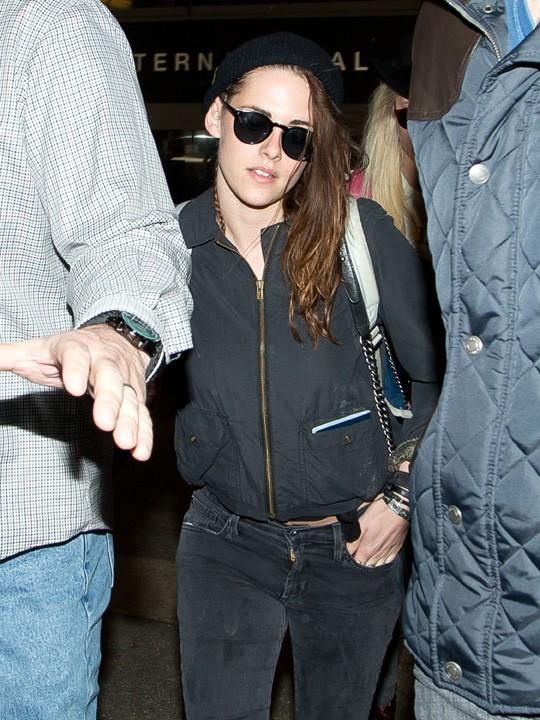 Kristen Stewart à l'aéroport de LAX le 5 février 2014