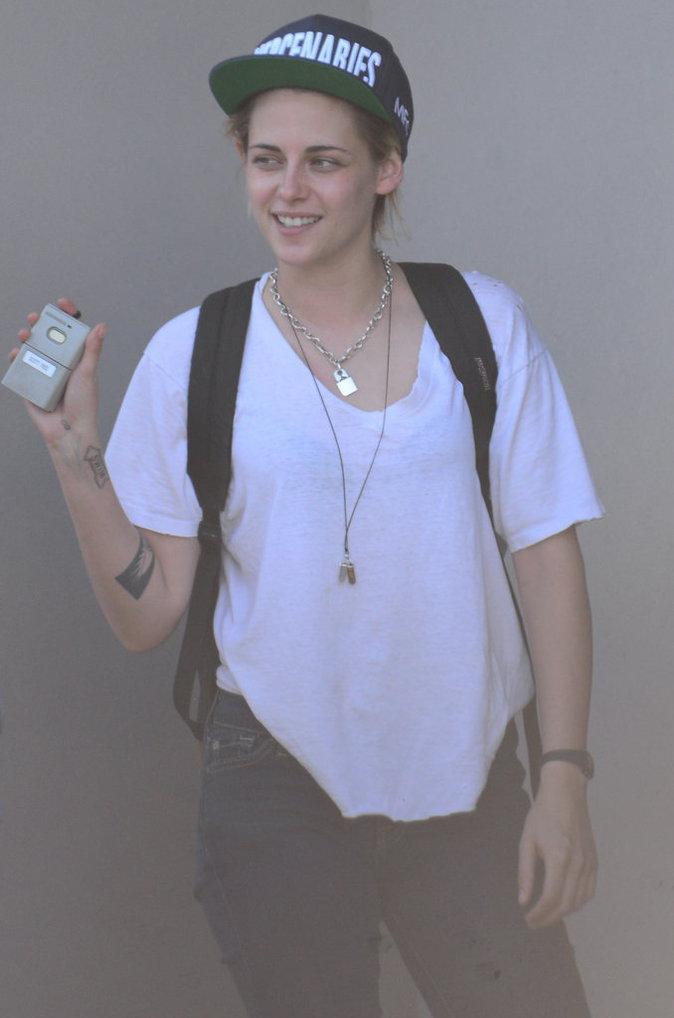 Kristen Stewart dans les rues de Los Angeles ce lundi 15 août
