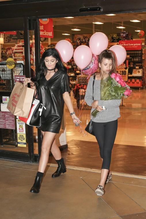 Kylie Jenner en route pour l'anniversaire d'une amie à Los Angeles le 18 septembre 2013