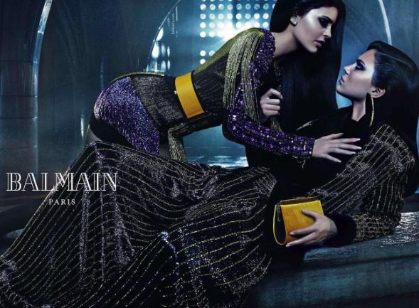 Kylie Jenner dans une campagne Balmain avec sa soeur Kendall