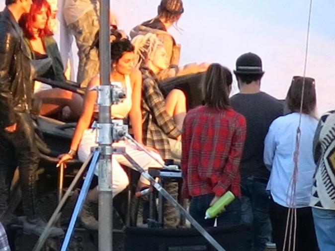 Photos : Kylie Jenner : après le blond, elle passe aux dreads !