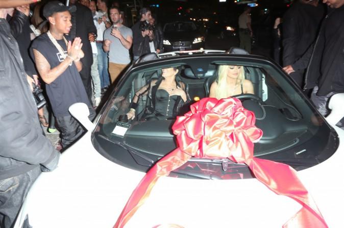 Kylie Jenner : Découvrez le cadeau à  320 000$ que Tyga lui a fait pour ses 18 ans !