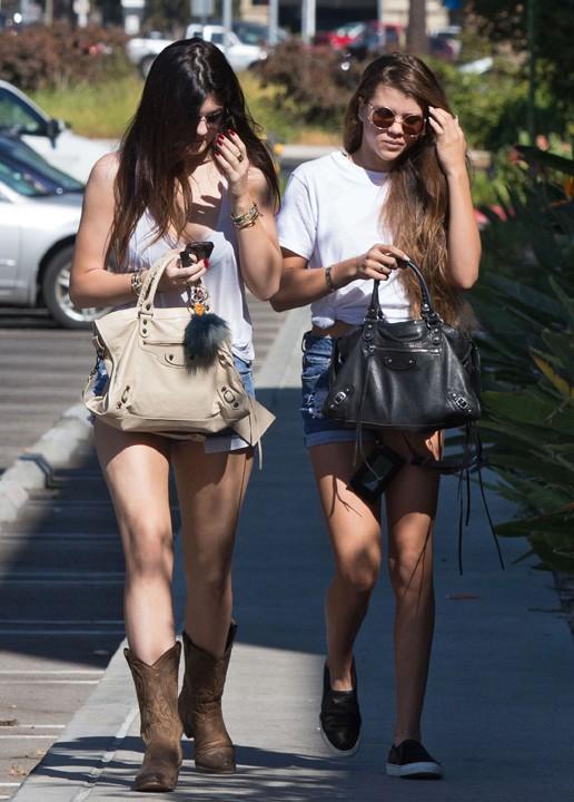 Kylie Jenner et Sofia Richie à Canoga Park le 20 octobre 2013