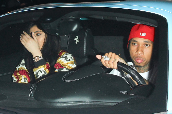 Photos : Kylie Jenner et Tyga : grillés en train de...