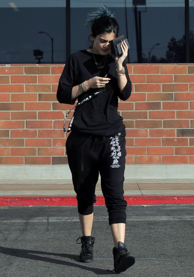 Photos : Kylie Jenner : lèvres dégonflées et peau bourgeonnante, la starlette retrouve l'allure d'une ado !