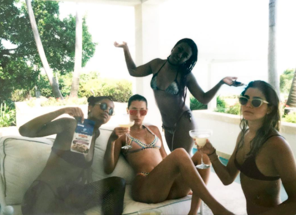 Bella Hadid et ses copines