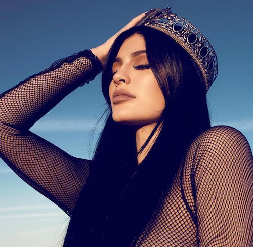 Photos : Kylie Jenner ultra hot en reine du désert, Kendall change radicalement de tête !
