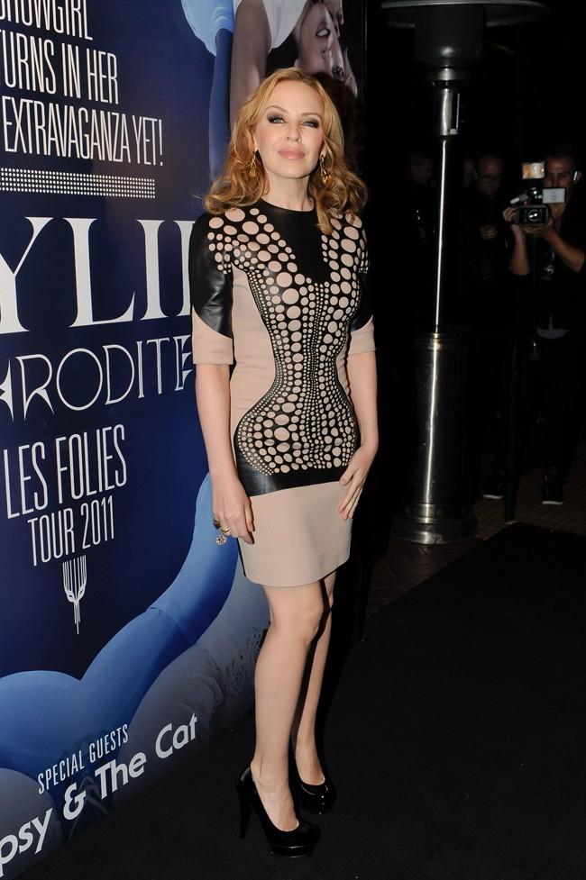 Kylie balaye Fergie sans problème!