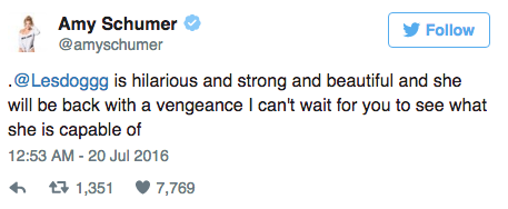 Amy Schumer soutient Leslie Jones sur Twitter