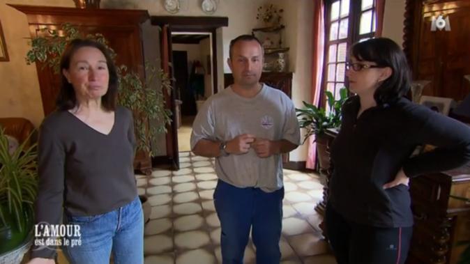 Guillaume présente Sandrine à sa mère
