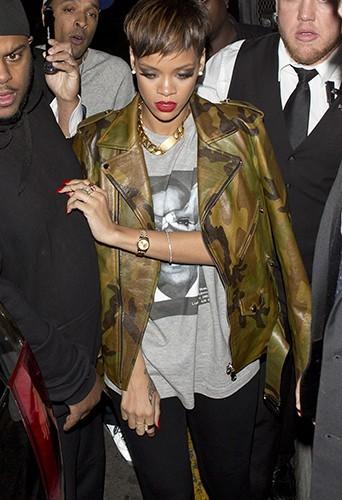 Photos : la coupe à la garçonne est de retour pour Rihanna !