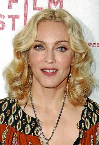 Mère porteuse : Madonna y pense...
