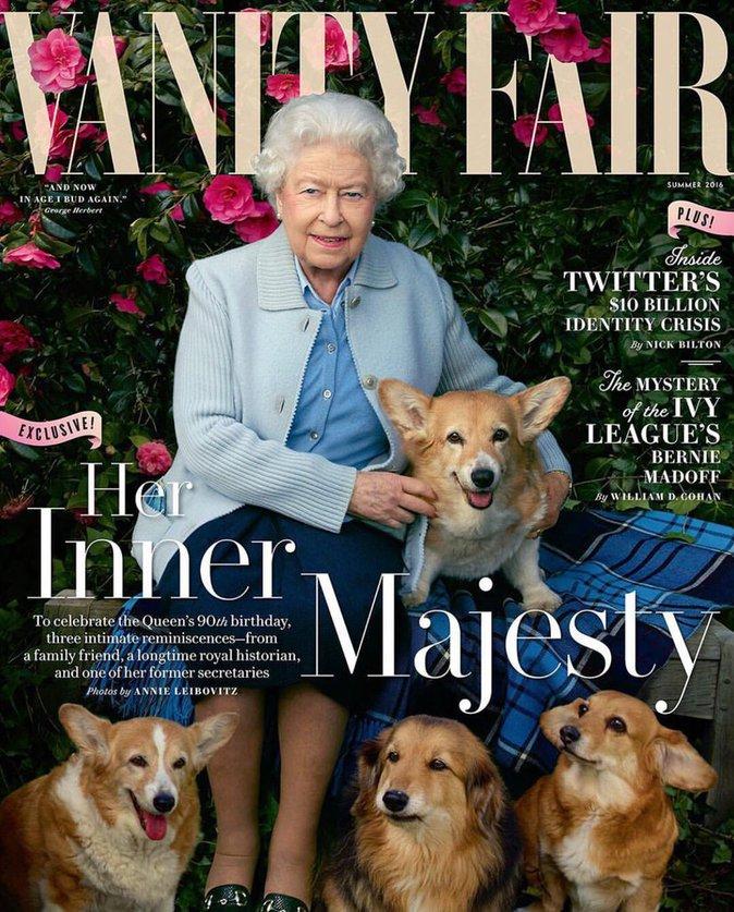 La Reine Elizabeth II : en couverture de Vanity Fair avec ses chiens !
