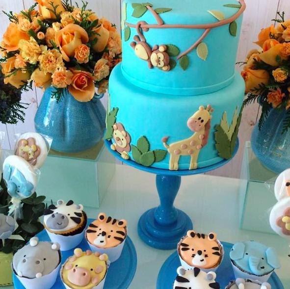 Photos : La top Candice Swanepoel partage quelques clichés de sa baby shower !