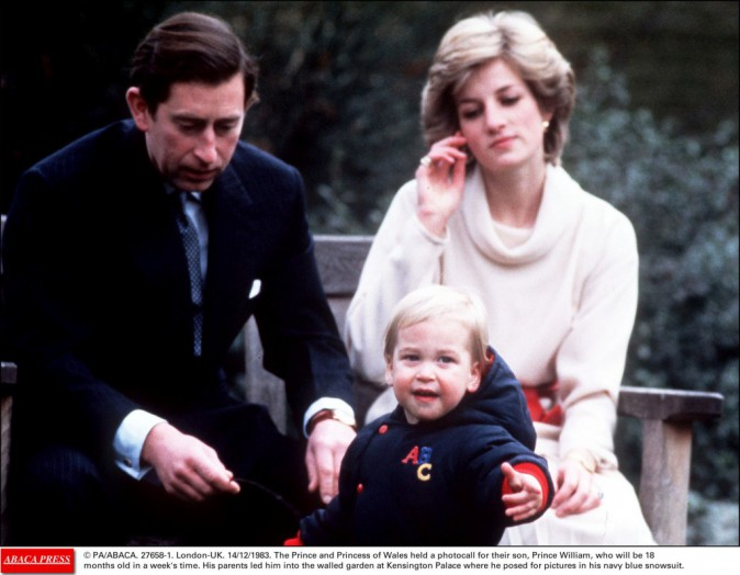 Le couple et le prince William en décembre 1983