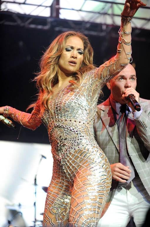 malgré son tube avec Pitbull, j-Lo est à la traîne dans les charts ...