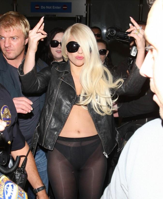 Lady Gaga à l'aéroport de Los Angeles, le 9 juillet 2012.