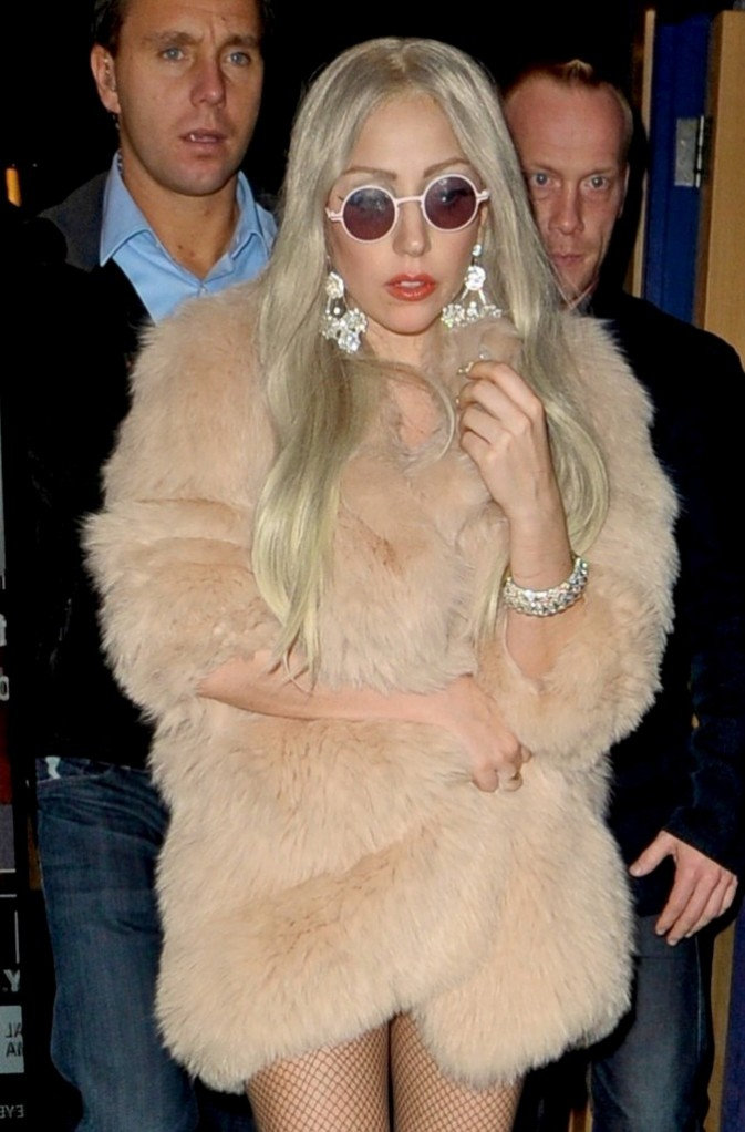 Elle a sorti les bijoux bling-bling!